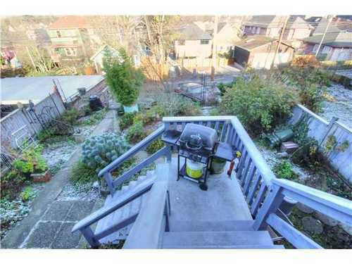 Photo 17: Photos: 1627 14TH Ave E in Vancouver East: Grandview VE Home for sale ()  : MLS®# V1037329