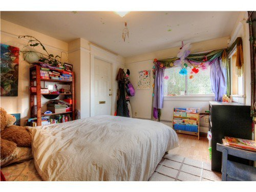 Photo 9: Photos: 1627 14TH Ave E in Vancouver East: Grandview VE Home for sale ()  : MLS®# V1037329