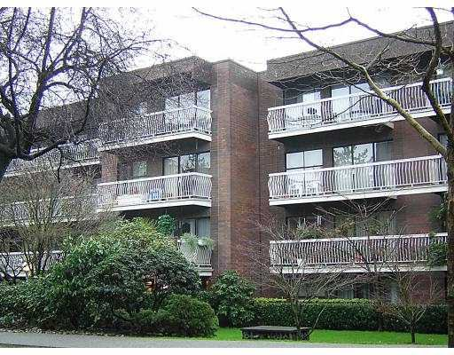 """Main Photo: 1655 NELSON Street in Vancouver: West End VW Condo for sale in """"HAMPSTEAD MANOR"""" (Vancouver West)  : MLS®# V621243"""