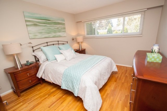 """Photo 12: Photos: 953 DRAYTON Street in North Vancouver: Calverhall House for sale in """"CALVERHALL"""" : MLS®# R2112322"""