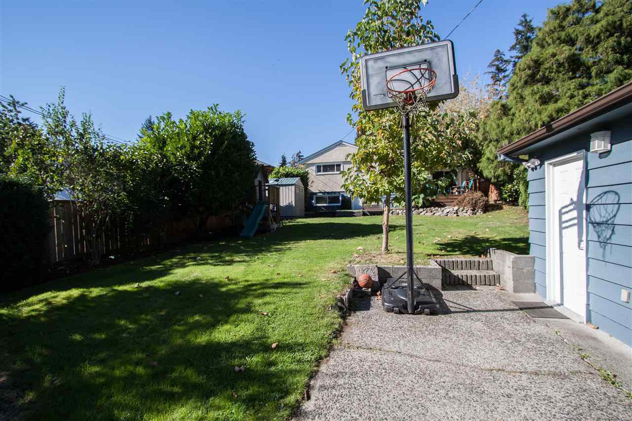 """Photo 19: Photos: 953 DRAYTON Street in North Vancouver: Calverhall House for sale in """"CALVERHALL"""" : MLS®# R2112322"""