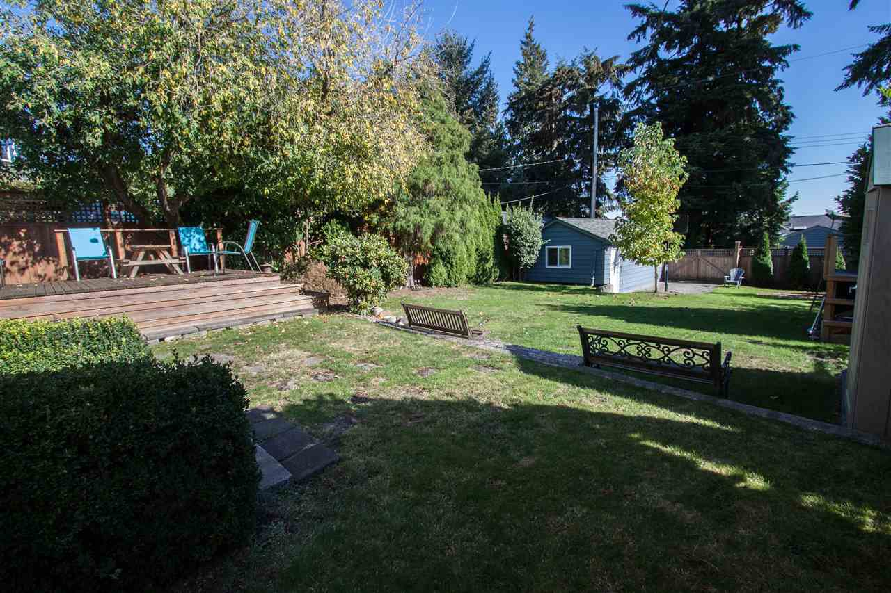 """Photo 4: Photos: 953 DRAYTON Street in North Vancouver: Calverhall House for sale in """"CALVERHALL"""" : MLS®# R2112322"""