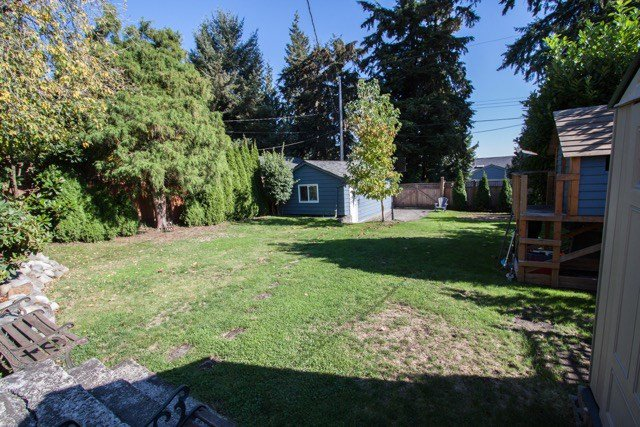 """Photo 18: Photos: 953 DRAYTON Street in North Vancouver: Calverhall House for sale in """"CALVERHALL"""" : MLS®# R2112322"""