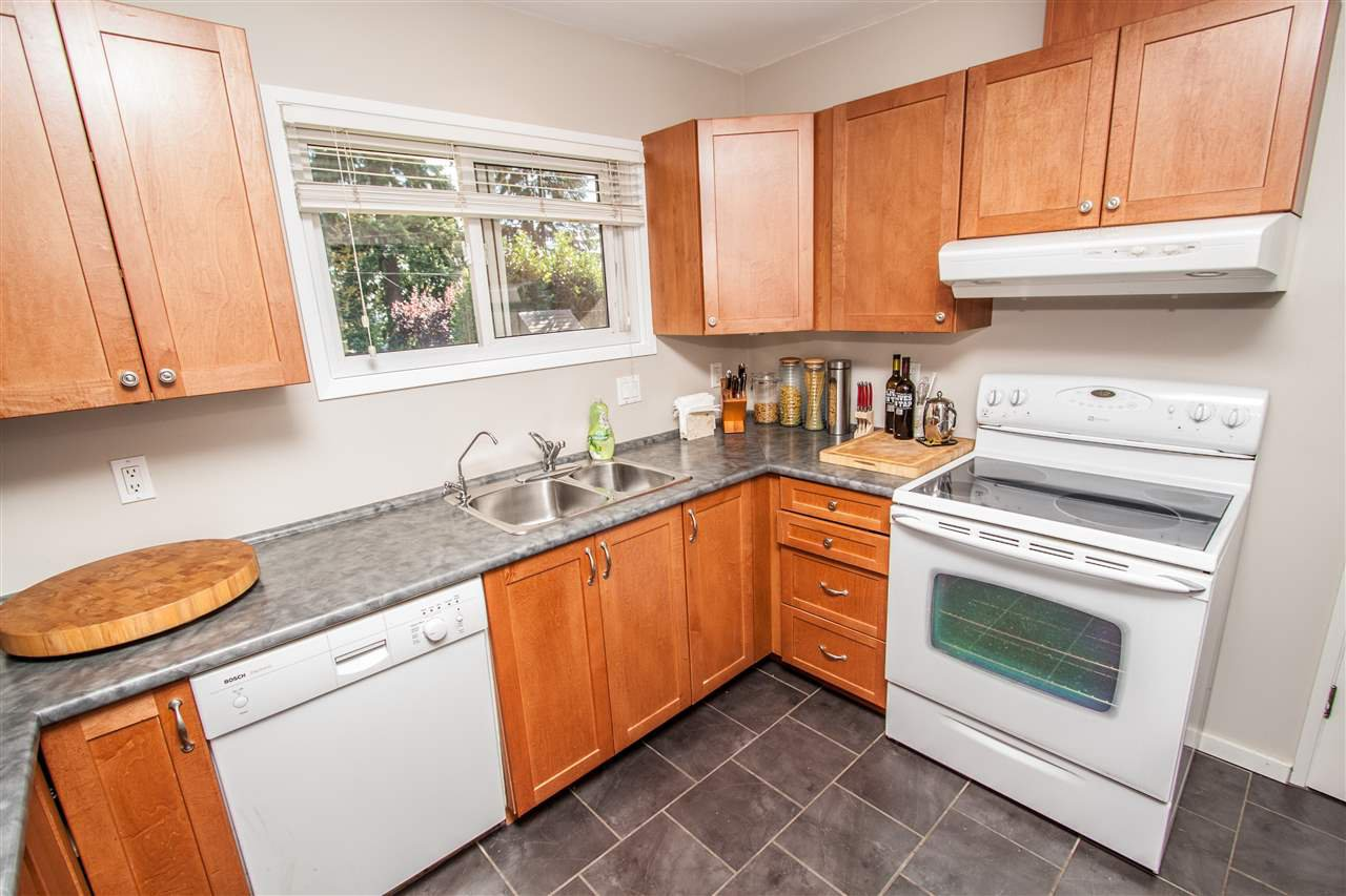 """Photo 11: Photos: 953 DRAYTON Street in North Vancouver: Calverhall House for sale in """"CALVERHALL"""" : MLS®# R2112322"""