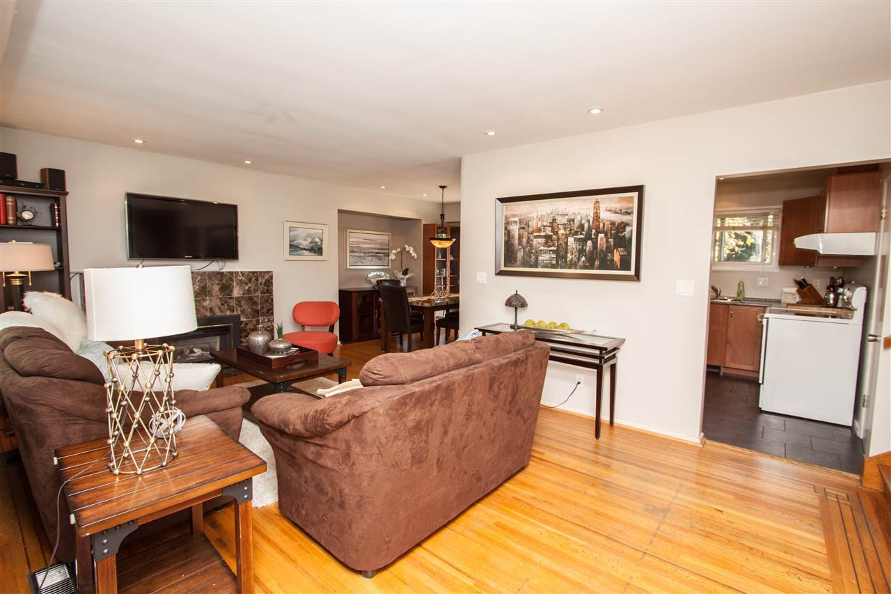 """Photo 17: Photos: 953 DRAYTON Street in North Vancouver: Calverhall House for sale in """"CALVERHALL"""" : MLS®# R2112322"""