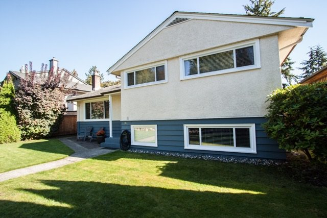 "Main Photo: 953 DRAYTON Street in North Vancouver: Calverhall House for sale in ""CALVERHALL"" : MLS®# R2112322"