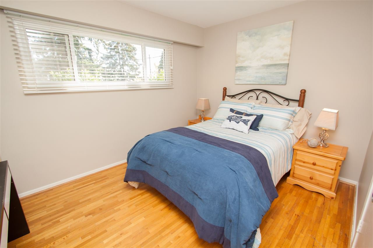 """Photo 13: Photos: 953 DRAYTON Street in North Vancouver: Calverhall House for sale in """"CALVERHALL"""" : MLS®# R2112322"""
