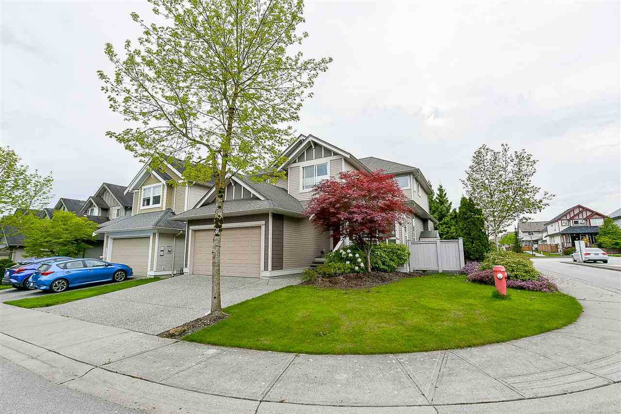 Main Photo: 6991 196A Street in Langley: Willoughby Heights House for sale : MLS®# R2162729