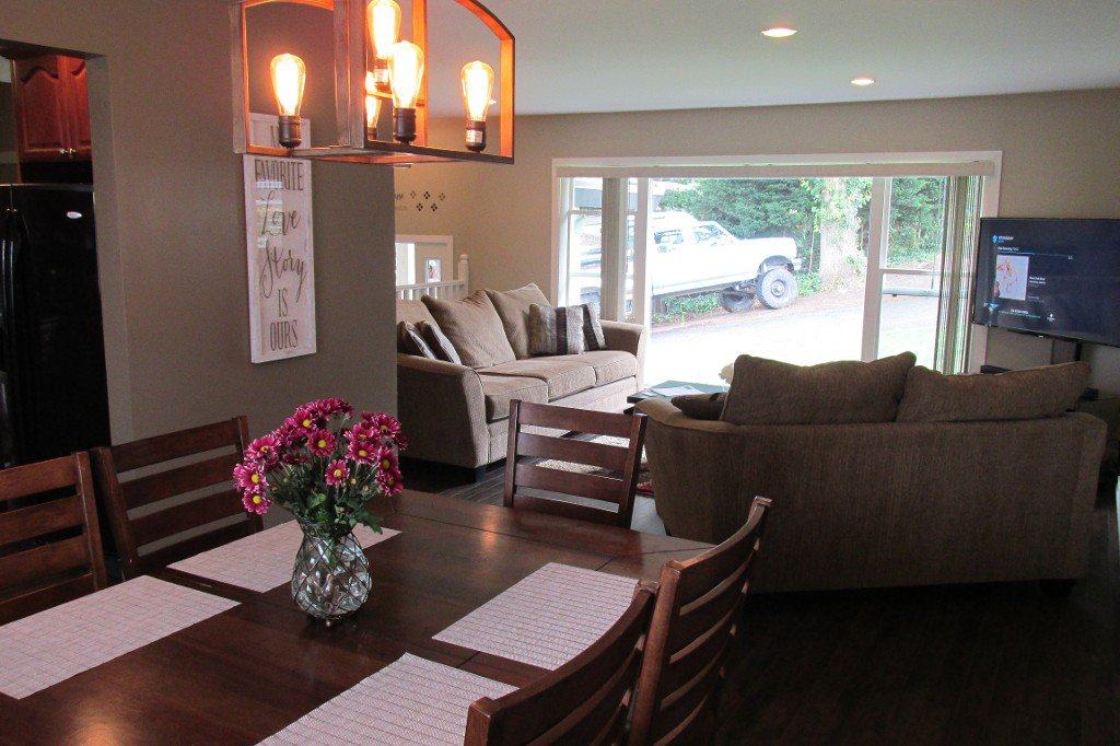 Photo 6: Photos: 2329 Imperial Street in Abbotsford: Abbotsford West House for sale : MLS®# R2190203