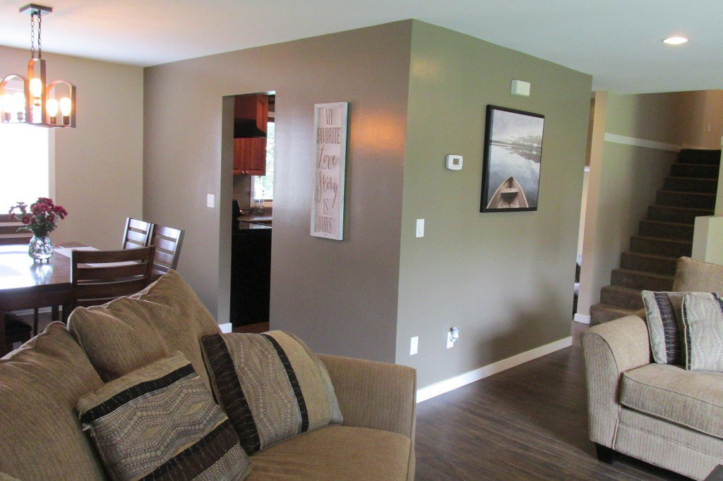 Photo 3: Photos: 2329 Imperial Street in Abbotsford: Abbotsford West House for sale : MLS®# R2190203
