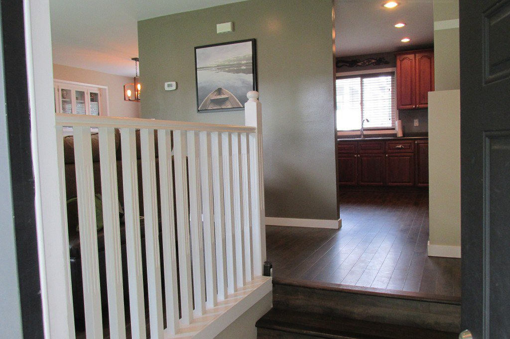 Photo 2: Photos: 2329 Imperial Street in Abbotsford: Abbotsford West House for sale : MLS®# R2190203