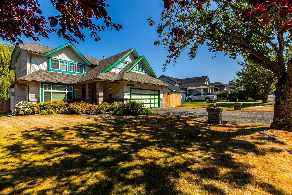 Main Photo: 21769 46 Avenue in Langley: Murrayville House for sale