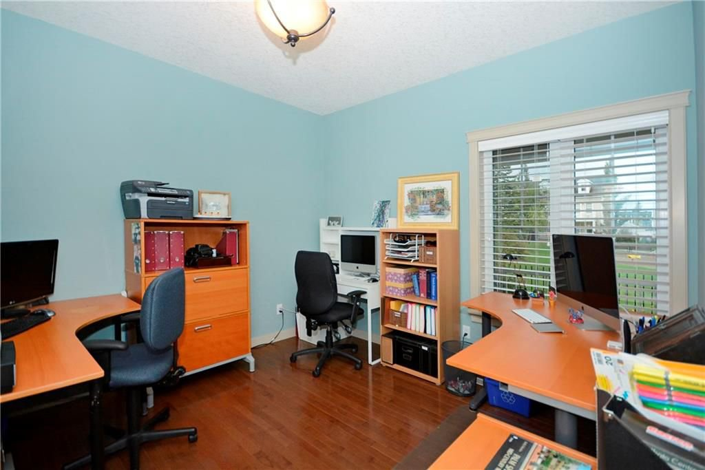 Photo 16: Photos: 8 YPRES Lane SW in Calgary: Garrison Woods House for sale : MLS®# C4181207