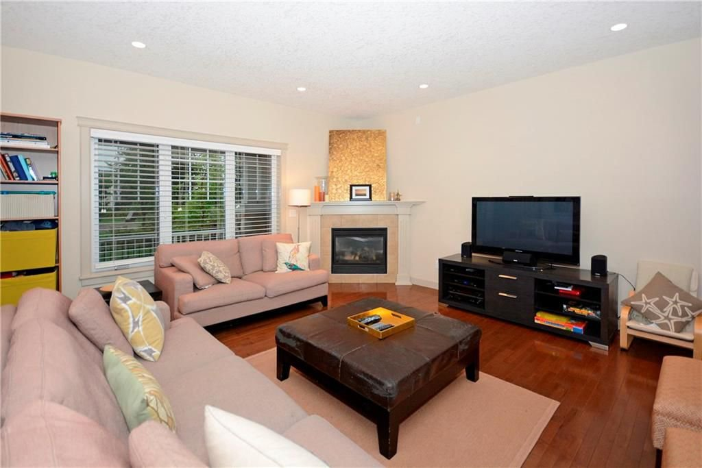 Photo 6: Photos: 8 YPRES Lane SW in Calgary: Garrison Woods House for sale : MLS®# C4181207