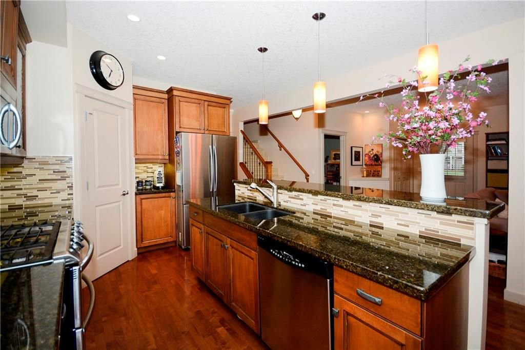 Photo 13: Photos: 8 YPRES Lane SW in Calgary: Garrison Woods House for sale : MLS®# C4181207