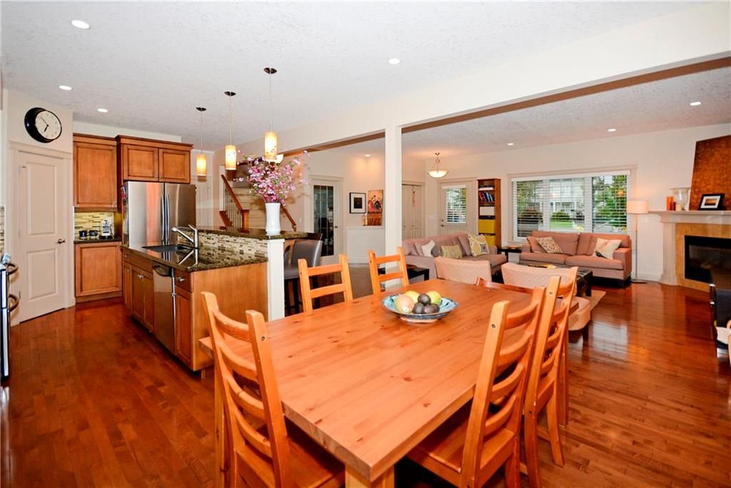 Photo 10: Photos: 8 YPRES Lane SW in Calgary: Garrison Woods House for sale : MLS®# C4181207
