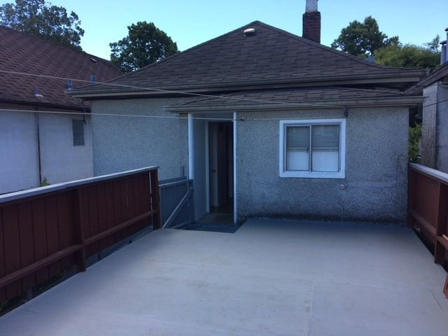 Photo 11: Photos: 531 E 17TH Avenue in Vancouver: Fraser VE House for sale (Vancouver East)  : MLS®# R2278669