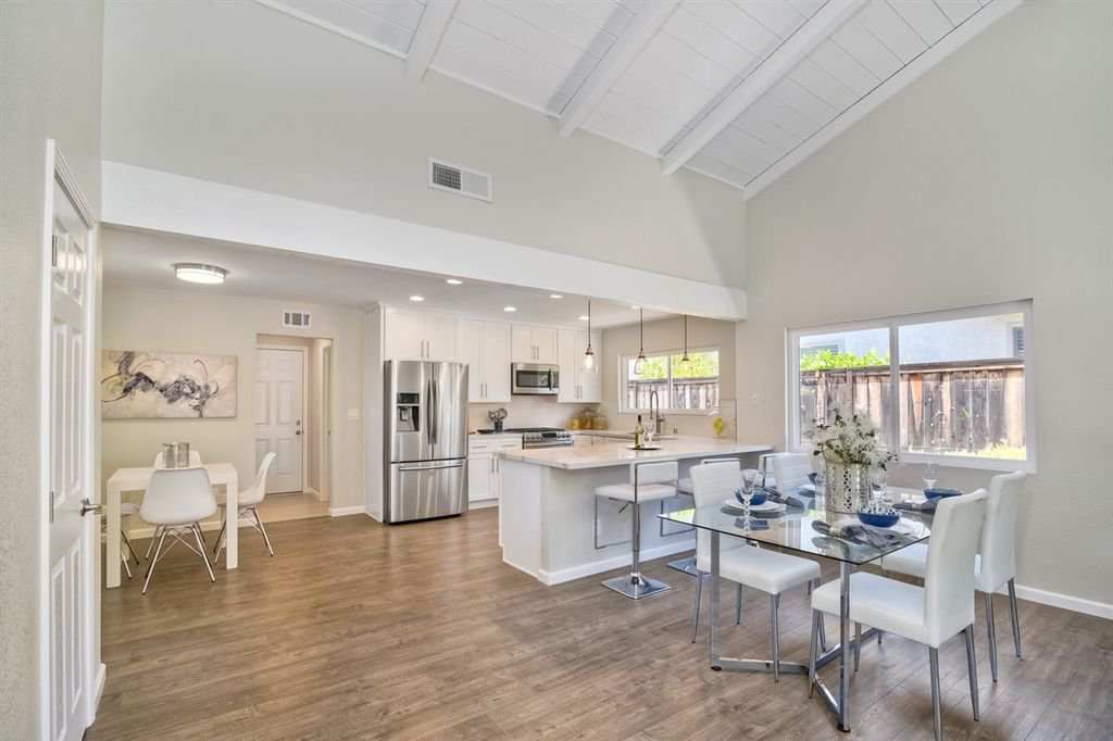 Photo 3: Photos: SCRIPPS RANCH House for sale : 3 bedrooms : 10729 Charbono Ter in San Diego