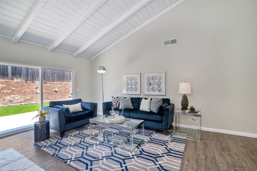 Photo 11: Photos: SCRIPPS RANCH House for sale : 3 bedrooms : 10729 Charbono Ter in San Diego