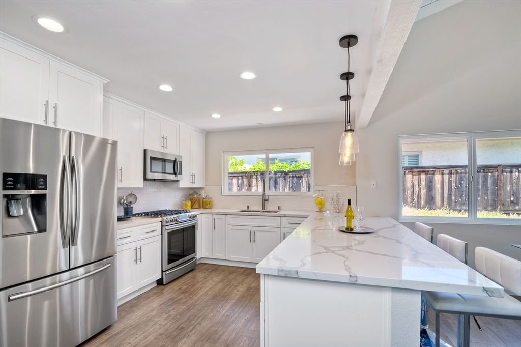 Photo 4: Photos: SCRIPPS RANCH House for sale : 3 bedrooms : 10729 Charbono Ter in San Diego
