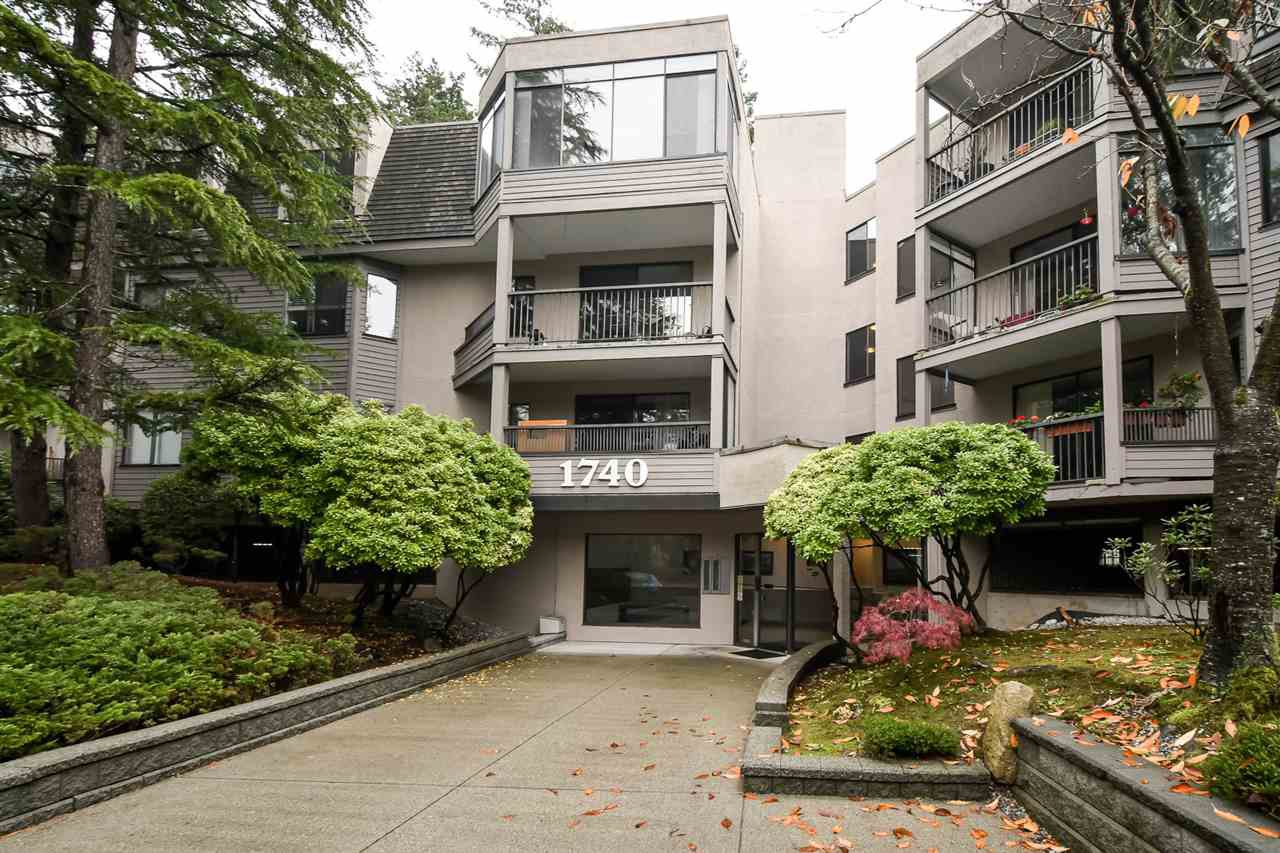 """Main Photo: 318 1740 SOUTHMERE Crescent in Surrey: Sunnyside Park Surrey Condo for sale in """"Spinnaker II"""" (South Surrey White Rock)  : MLS®# R2319448"""
