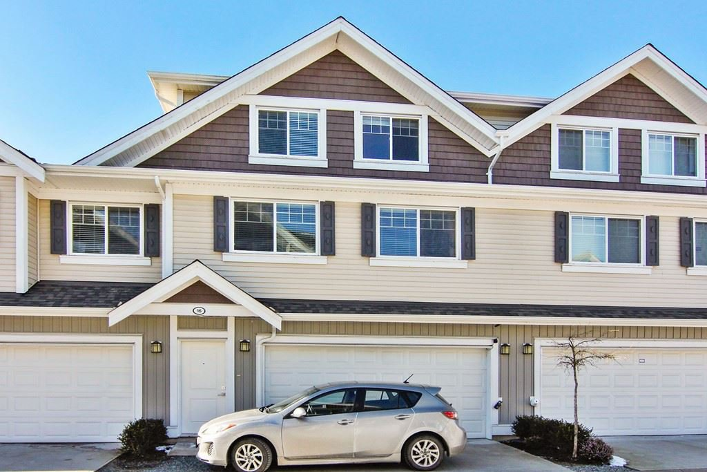 """Main Photo: 16 30748 CARDINAL Avenue in Abbotsford: Abbotsford West Townhouse for sale in """"Luna Homes"""" : MLS®# R2340090"""