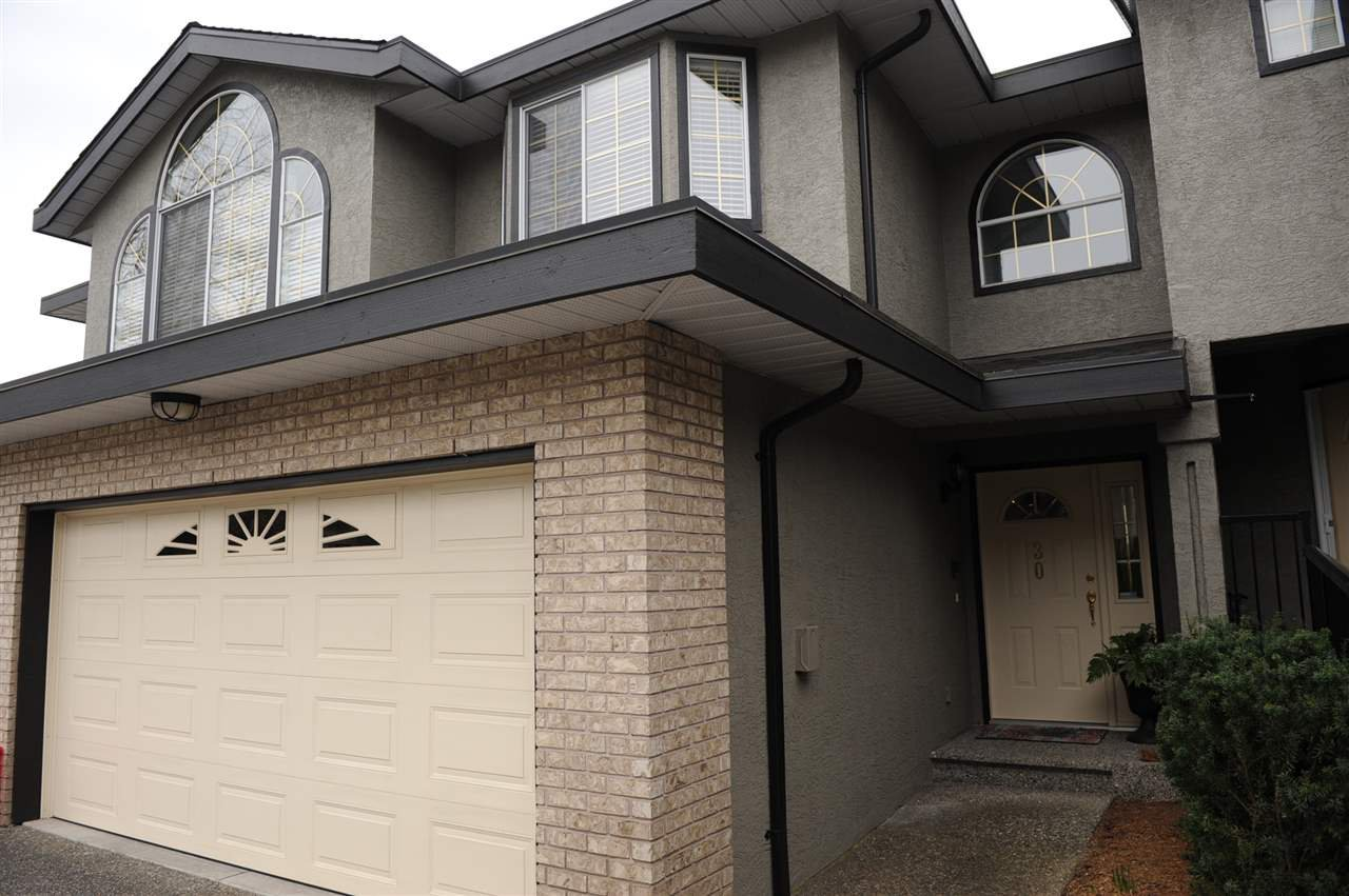 "Main Photo: 30 22488 116 Avenue in Maple Ridge: East Central Townhouse for sale in ""Richmond Hill Estates"" : MLS®# R2369482"