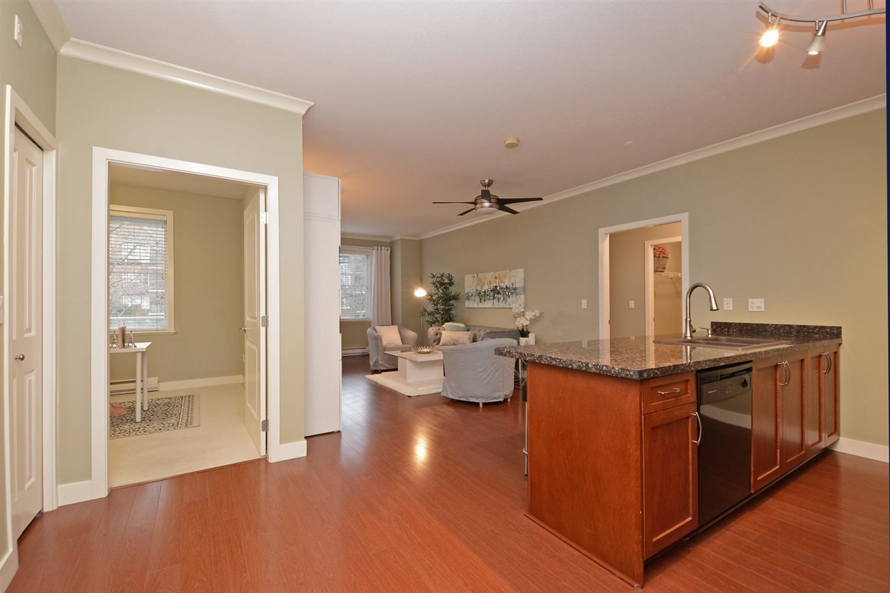 "Photo 7: Photos: 205 1375 VIEW Crescent in Delta: Beach Grove Condo for sale in ""FAIRVIEW 56"" (Tsawwassen)  : MLS®# R2372065"