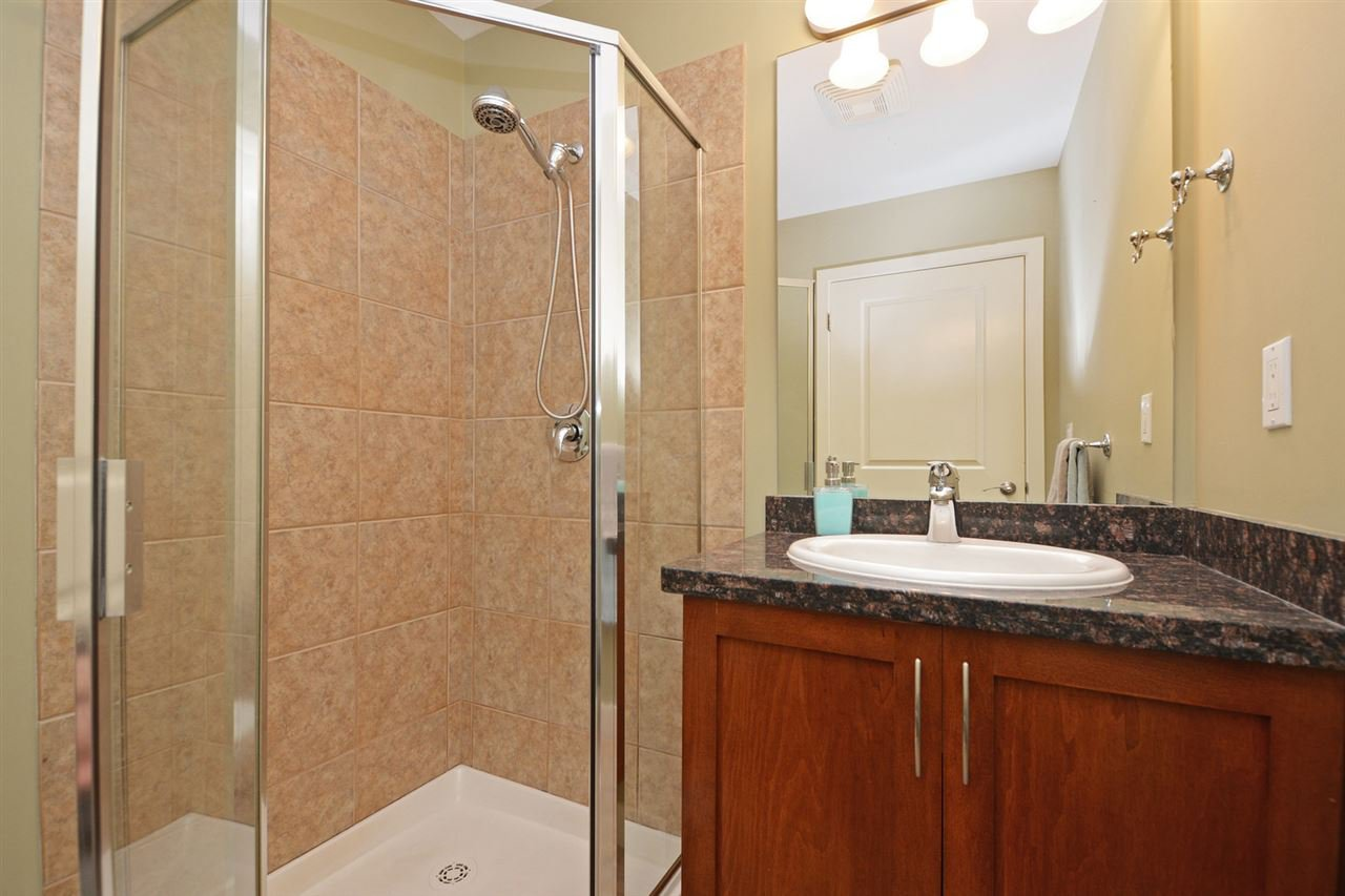 "Photo 14: Photos: 205 1375 VIEW Crescent in Delta: Beach Grove Condo for sale in ""FAIRVIEW 56"" (Tsawwassen)  : MLS®# R2372065"