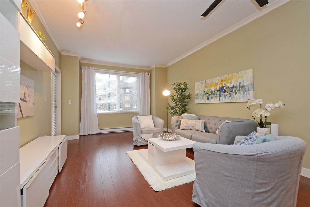 "Photo 3: Photos: 205 1375 VIEW Crescent in Delta: Beach Grove Condo for sale in ""FAIRVIEW 56"" (Tsawwassen)  : MLS®# R2372065"