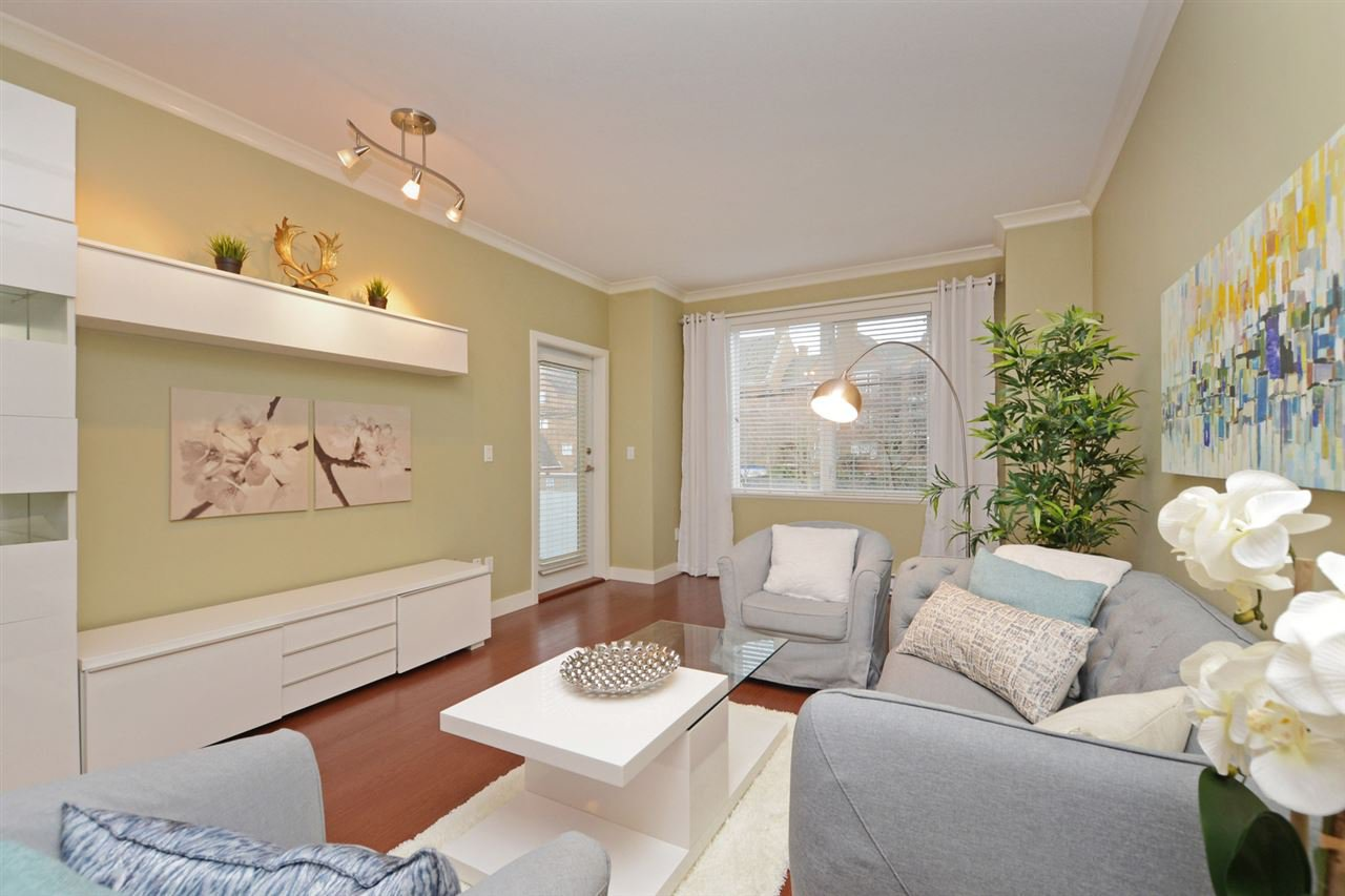 "Photo 2: Photos: 205 1375 VIEW Crescent in Delta: Beach Grove Condo for sale in ""FAIRVIEW 56"" (Tsawwassen)  : MLS®# R2372065"