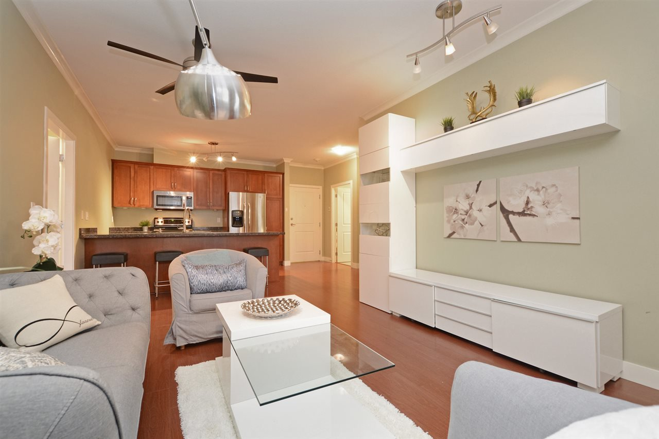 "Photo 4: Photos: 205 1375 VIEW Crescent in Delta: Beach Grove Condo for sale in ""FAIRVIEW 56"" (Tsawwassen)  : MLS®# R2372065"