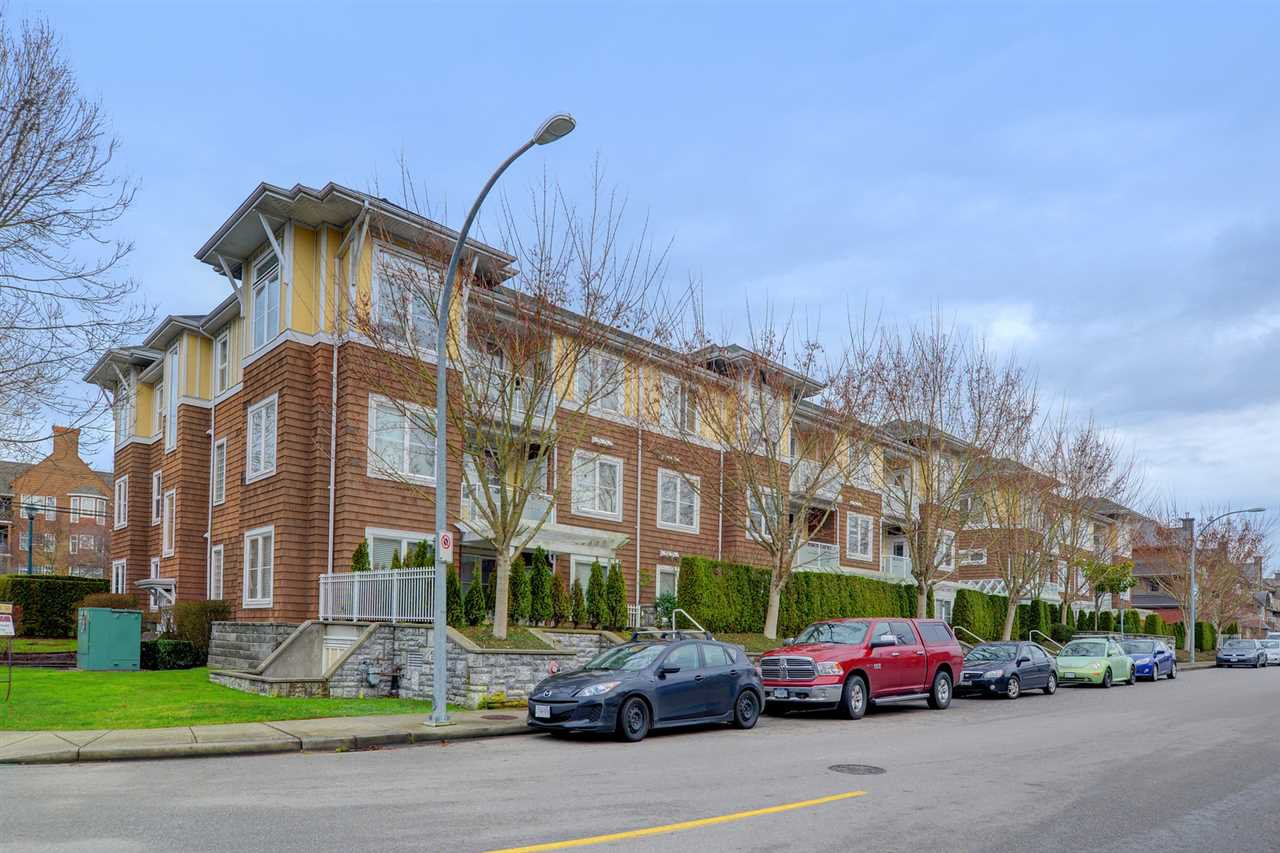 "Photo 18: Photos: 205 1375 VIEW Crescent in Delta: Beach Grove Condo for sale in ""FAIRVIEW 56"" (Tsawwassen)  : MLS®# R2372065"