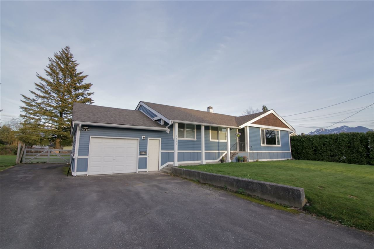 Main Photo: 9310 COOTE Street in Chilliwack: Chilliwack E Young-Yale House for sale : MLS®# R2373189