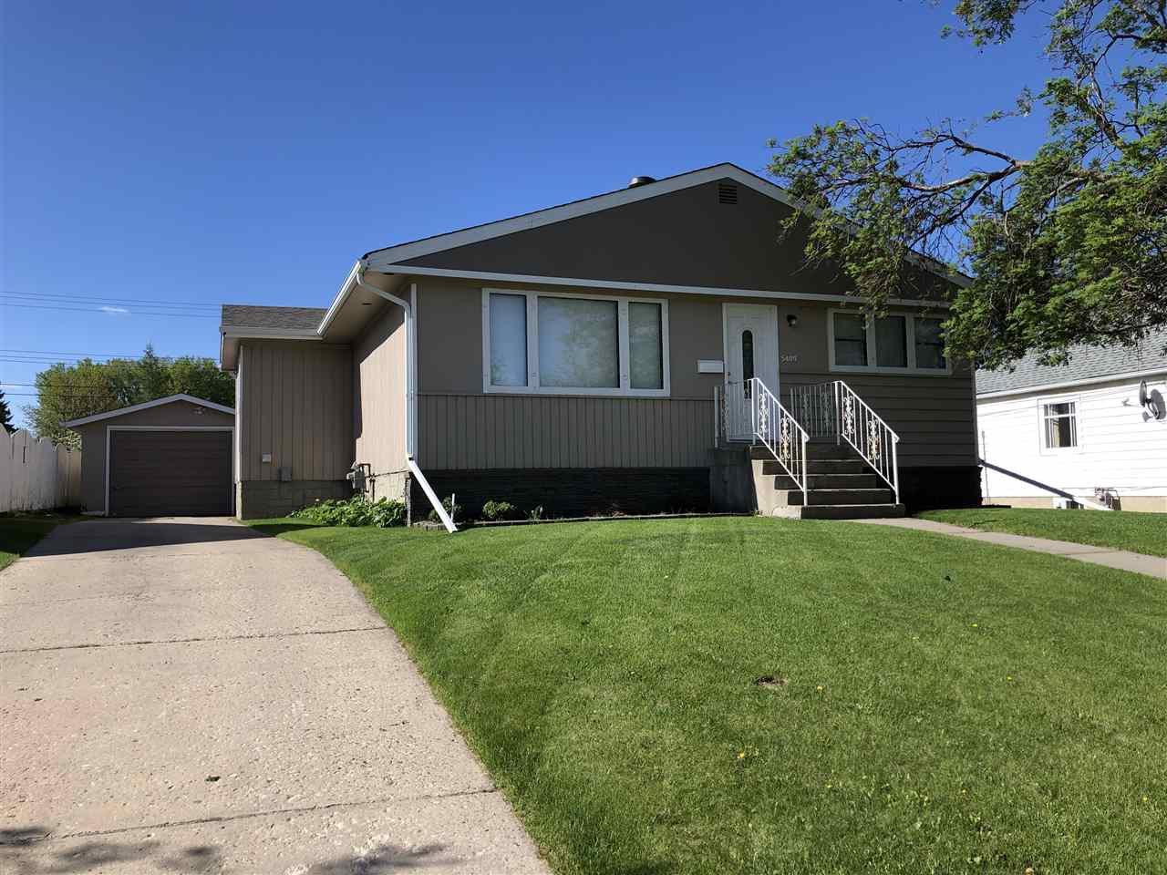 Main Photo: 5409 45 Avenue: Wetaskiwin House for sale : MLS®# E4189509