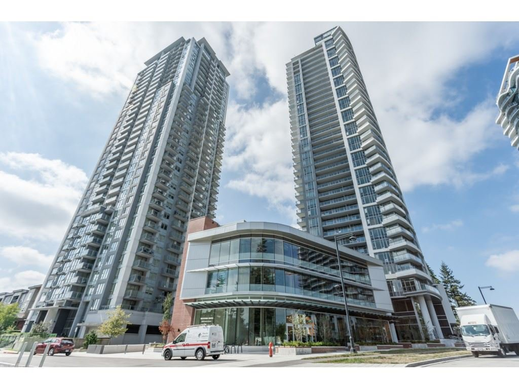 """Main Photo: 2512 13308 CENTRAL AVE Avenue in Surrey: Whalley Condo for sale in """"EVOLVE"""" (North Surrey)  : MLS®# R2466470"""