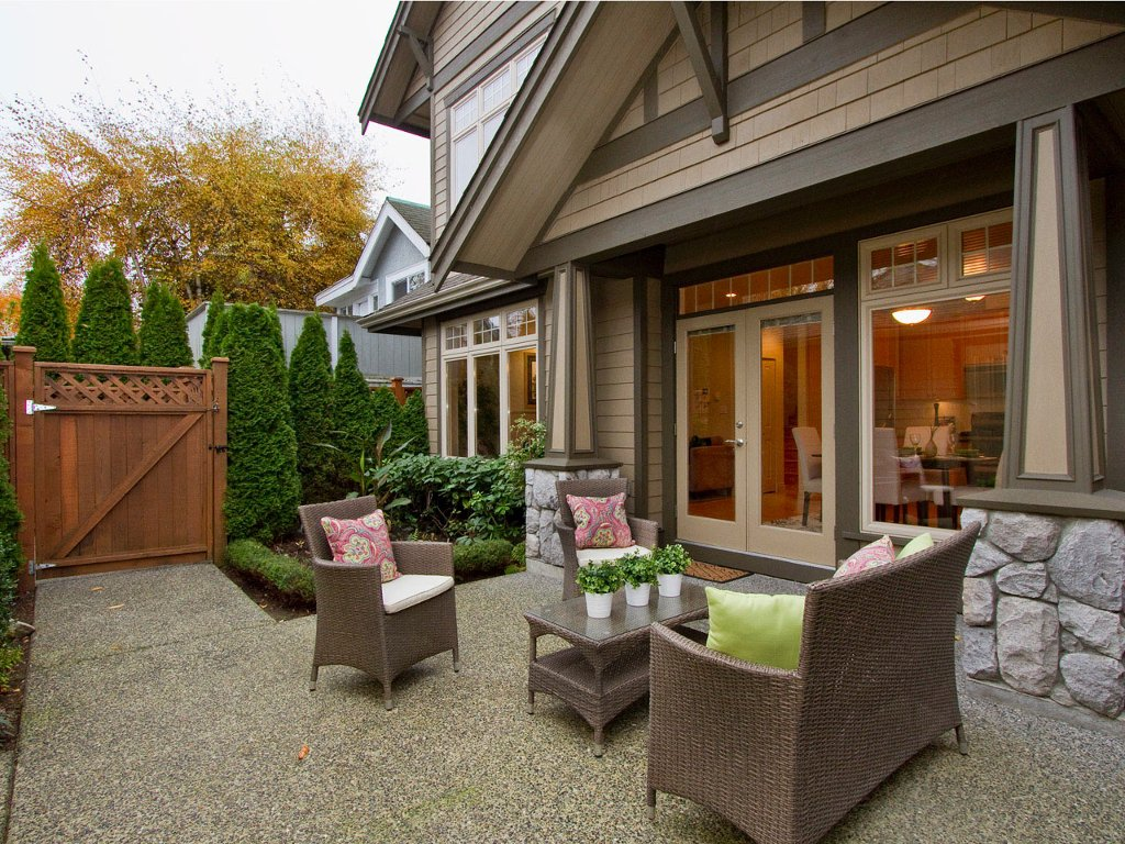 Main Photo: 1961 WHYTE Avenue in Vancouver: Kitsilano House 1/2 Duplex for sale (Vancouver West)  : MLS®# V920180