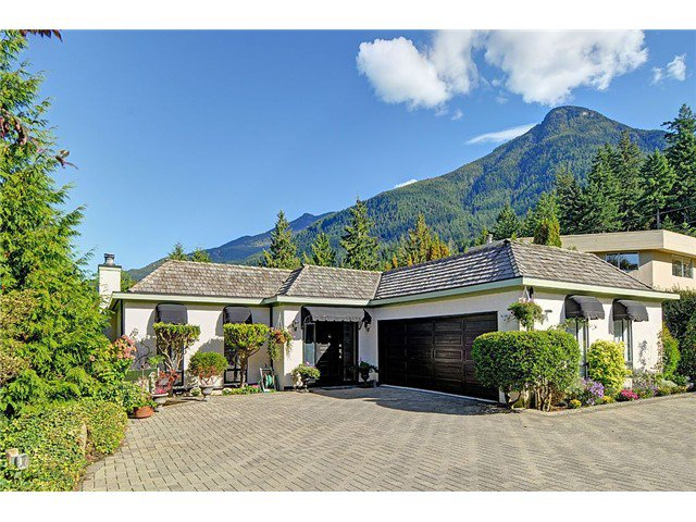 Main Photo: 20 PERIWINKLE PL: Lions Bay House for sale (West Vancouver)  : MLS®# V1029448