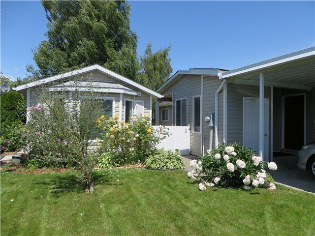 """Photo 4: Photos: 109 45918 KNIGHT Road in Sardis: Sardis East Vedder Rd House for sale in """"COUNTRY PARK"""" : MLS®# H1402468"""