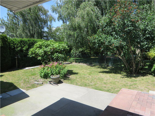"""Photo 3: Photos: 109 45918 KNIGHT Road in Sardis: Sardis East Vedder Rd House for sale in """"COUNTRY PARK"""" : MLS®# H1402468"""