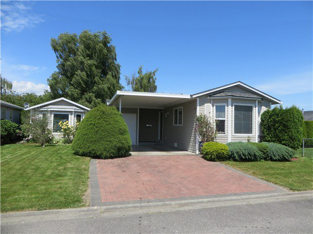 """Photo 1: Photos: 109 45918 KNIGHT Road in Sardis: Sardis East Vedder Rd House for sale in """"COUNTRY PARK"""" : MLS®# H1402468"""