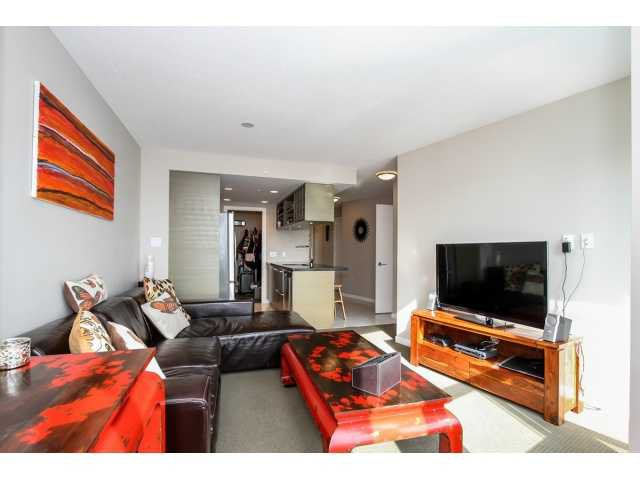 """Main Photo: 2504 833 SEYMOUR Street in Vancouver: Downtown VW Condo for sale in """"CAPITOL RESIDENCES"""" (Vancouver West)  : MLS®# V1109546"""