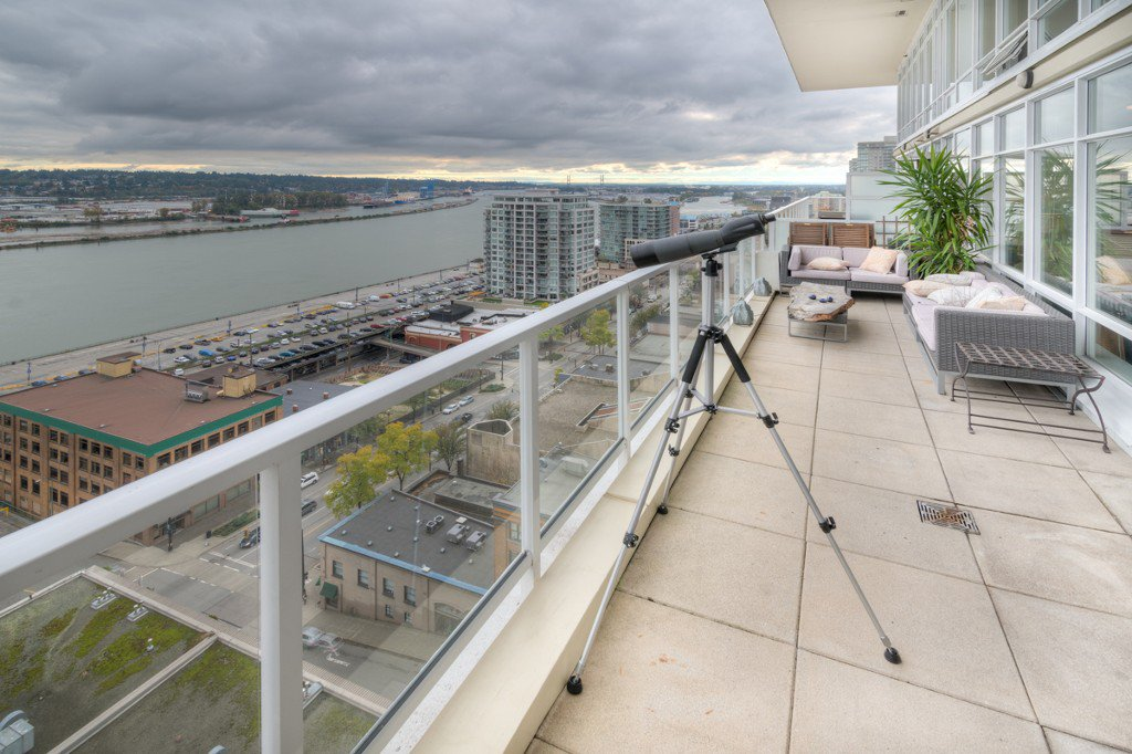 """Photo 32: Photos: PH4 39 SIXTH Street in New Westminster: Downtown NW Condo for sale in """"QUANTUM"""" : MLS®# R2008758"""