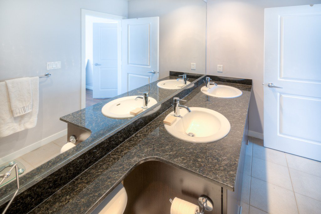"""Photo 16: Photos: PH4 39 SIXTH Street in New Westminster: Downtown NW Condo for sale in """"QUANTUM"""" : MLS®# R2008758"""