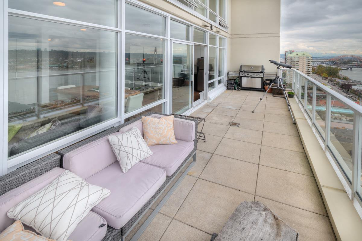 """Photo 30: Photos: PH4 39 SIXTH Street in New Westminster: Downtown NW Condo for sale in """"QUANTUM"""" : MLS®# R2008758"""