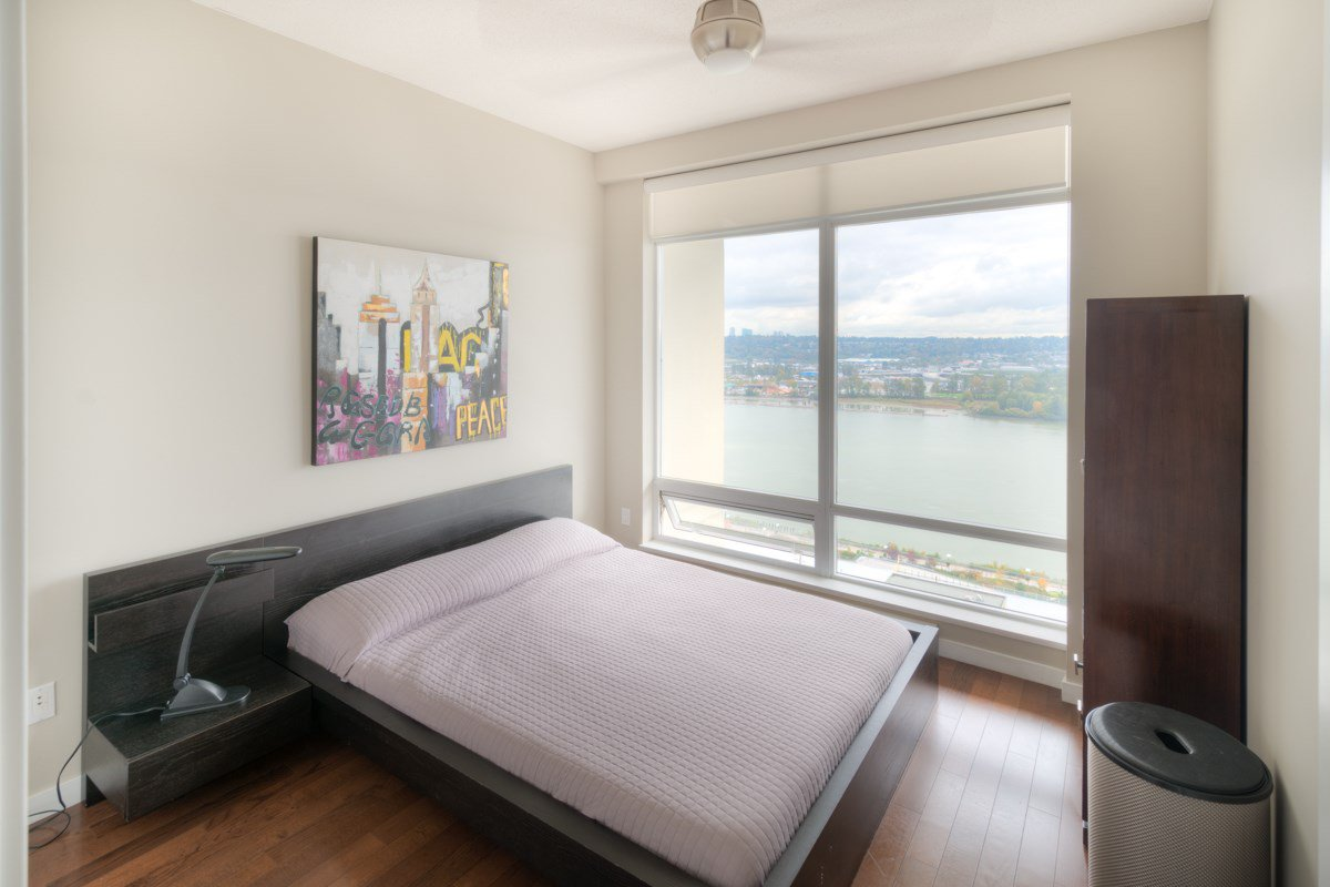 """Photo 13: Photos: PH4 39 SIXTH Street in New Westminster: Downtown NW Condo for sale in """"QUANTUM"""" : MLS®# R2008758"""