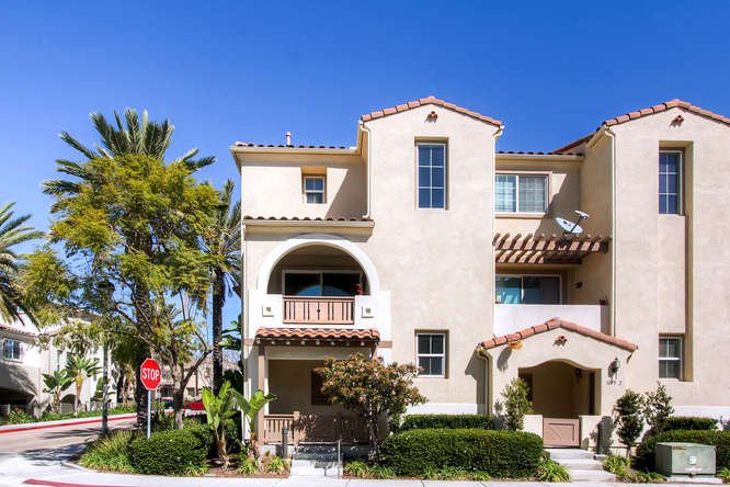 Main Photo: CHULA VISTA Townhome for sale : 3 bedrooms : 1879 Fargo Lane #1