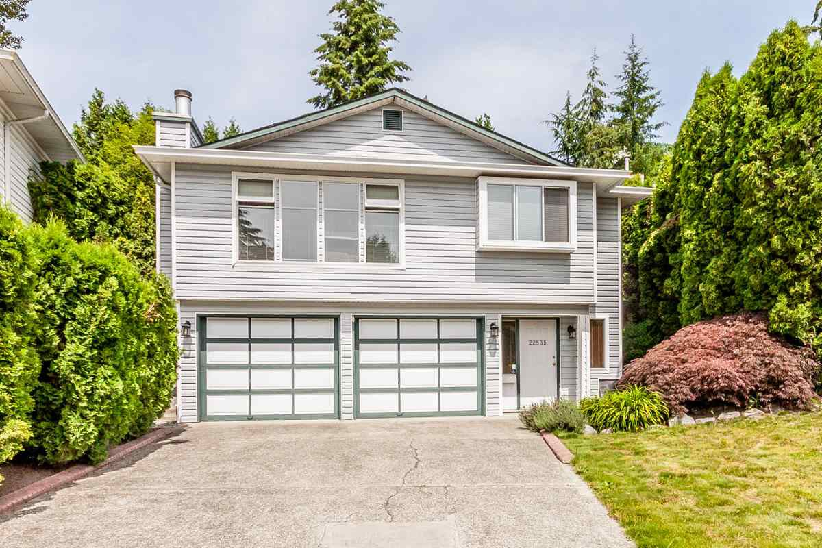Main Photo: 22535 BRICKWOOD Close in Maple Ridge: East Central House for sale : MLS®# R2076779