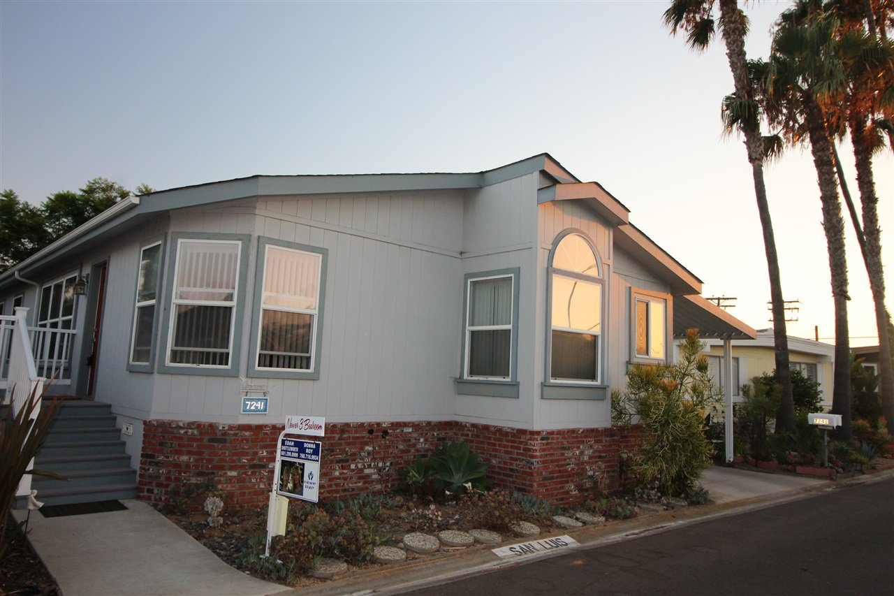 Main Photo: CARLSBAD WEST Manufactured Home for sale : 3 bedrooms : 7241 San Luis #185 in Carlsbad