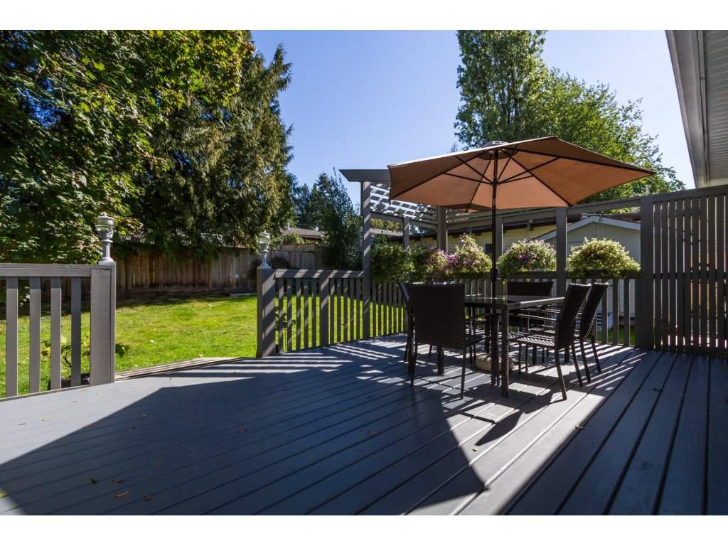 Photo 2: Photos: 11266 LOUGHREN Drive in Surrey: Bolivar Heights House for sale (North Surrey)  : MLS®# R2111434